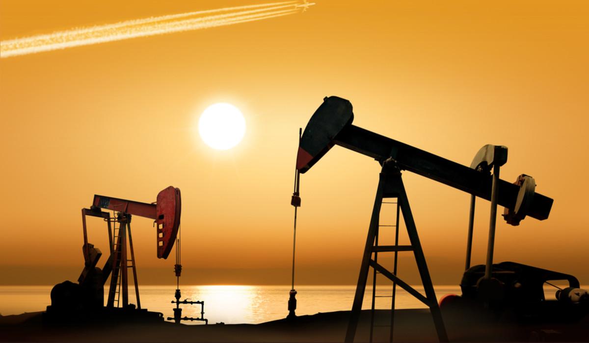 Petrolio: scorte USA in aumento e prezzi in calo